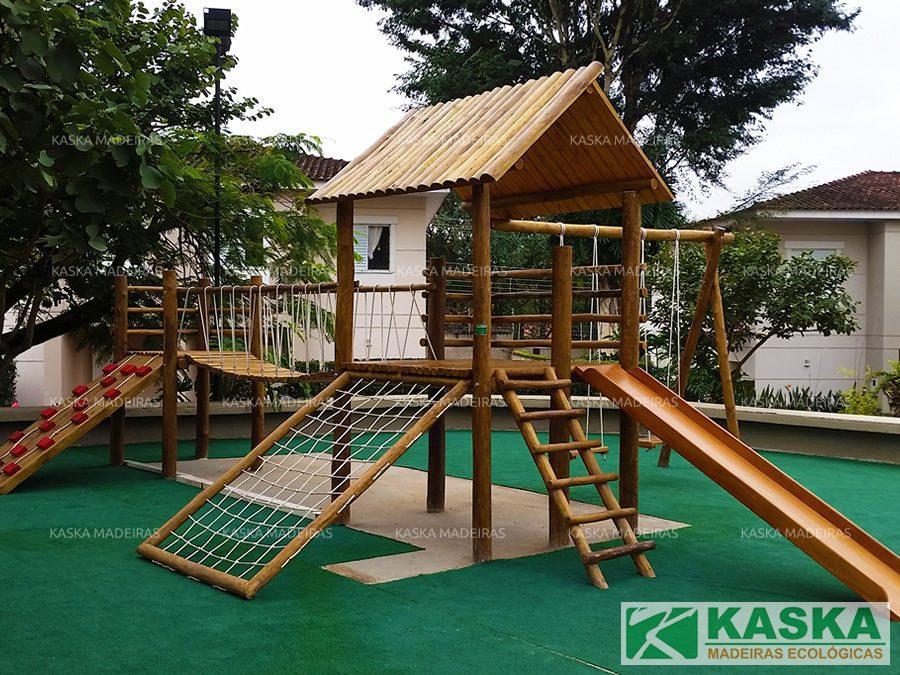 Playground Eucalipto Tratado - Parque Infantil de Madeira